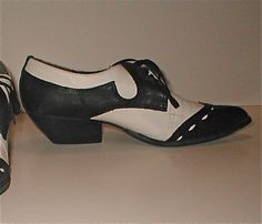 Cuban Heel Cool Cat Shoes - Vintage Laced Mia Shoes - Size 7M - Black and White Leather Pointy Shoes. $65.00, via Etsy.