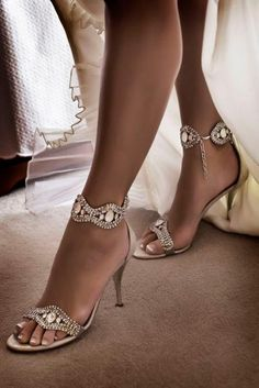 Shoes and other accessories are important in photo shoots......