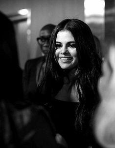 Selena Gomez 💫 My everything💕 Selena Gomez Fashion, Selena Gomez Style, Her Smile, Make Me Smile, Barney & Friends, Alex Russo, White Smile, Smile Everyday, Marie Gomez
