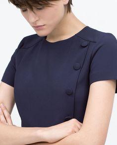 Immagine 2 di TUTA CORTA FANTASIA BOTTONI di Zara