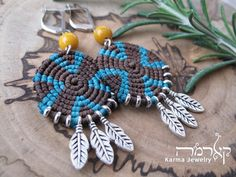 Artículos similares a Turquoise Brown Macrame Dangle Earrings, Hand-Woven ETHIOPIAN Design Earrings, Feather Pendants, Gift for Her, Boho Jewelry en Etsy Macrame Earrings, Macrame Jewelry, Ethnic Jewelry, Boho Jewelry, Crochet Earrings, Hippie Style, Tribal Style, Mode Alternative, Alternative Fashion