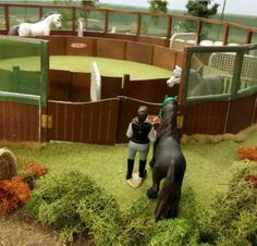 Schleich Horses Stable, Horse Stables, Horse Barns, Bryer Horses, Horse Accessories, Equestrian Outfits, Equestrian Style, Horse Crafts, Horse Photography