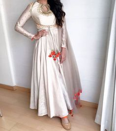 Pearl_designers Book ur dress now Completely stitched Customised in all colours For booking ur dress plz dm or whatsapp at 9582994206 Pakistani Outfits, Indian Outfits, Anarkali Dress, Anarkali Suits, White Anarkali, Lehenga, Indian Attire, Indian Wear, Indian Style