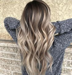 Brown To Blonde Ombre Hair, Beige Blonde Hair Color, Brunette Hair With Highlights, Blonde Hair With Roots, Highlights For Dark Brown Hair, Blonde Hair Shades, Dyed Blonde Hair, Balayage Hair Blonde, Mom Haircuts