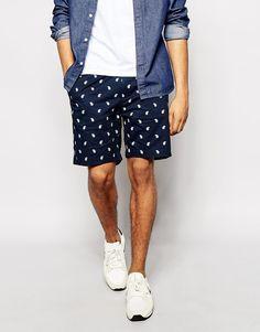 €75, Dunkelblaue Shorts mit Paisley-Muster von Penfield. Online-Shop: Asos. Klicken Sie hier für mehr Informationen: https://lookastic.com/men/shop_items/261129/redirect