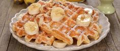 buttermilk_waffles_with_bananas