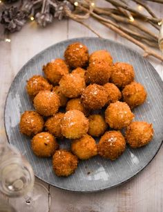 Rarebit and pickled onions croquettes recipe These canapés have a crunchy exterior, a melty inner and a satisfyingly tangy edge. They're a definite crowd pleaser and a great way to use up leftover cheese!