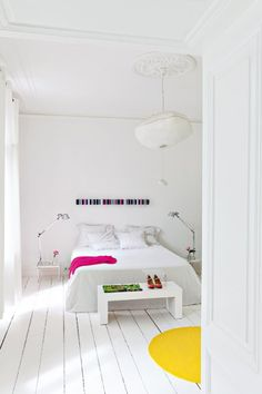 Love this simple white bedroom. Image from Marie Claire Room design decor Bedroom Images, White Rooms, Home Decor Bedroom, Design Bedroom, Bedroom Ideas, Master Bedroom, Beautiful Bedrooms, Interior Inspiration, Home Remodeling