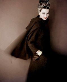 Model is wearing turban by Lilly Dache 1959