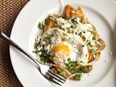 Chilaquiles Verdes with Fried Eggs - Quick and Easy Breakfast, Lunch or Dinner - Serious Eats Egg Recipes, Brunch Recipes, Mexican Food Recipes, Cooking Recipes, Mexican Breakfast Recipes, Pancake Recipes, Crepe Recipes, Waffle Recipes, Cooking Tips