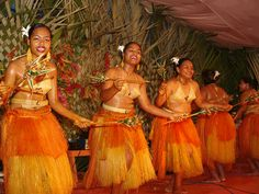 Palau traditional female dancers | Kosrae, Pohnpei, Micronesia |Traditional Clothing Palau