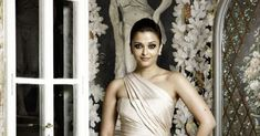 Beautiful Clothes By Bollywood Diva Aishwarya Rai She Is Looking Fabulous In These Different Kind Of Clothes.