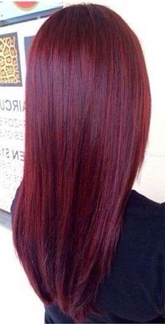Cheveux rouge acajou