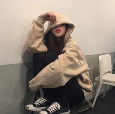 Ulzzang 🌹 Girl uploaded by Lin on We Heart It Mode Ulzzang, Ulzzang Korean Girl, Cute Korean Girl, K Fashion, Asian Fashion, Fashion Couple, Tokyo Fashion, Korean Aesthetic, Aesthetic Girl