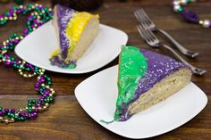 Cinnamon Cream Cheese King Cake | As far as classic Mardi Gras recipes go, this king cake recipe is it. It's one of my favorite things on my Fat Tuesday menu.