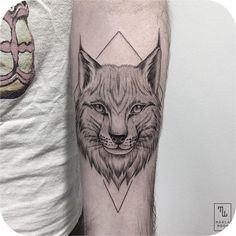 The blackwork tattoos done in 2016 are absolutely mouth watering! Here is a collection of the best blackwork tattoos done this year! Map Tattoos, Pin Up Tattoos, Word Tattoos, Animal Tattoos, Tattoo You, Hippie Trippy, New Tattoo Designs, Piercings, Cool Small Tattoos