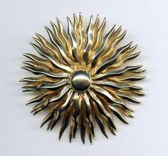 """Vtg 1950s Starburst Sunburst 2"""" Gold Tone 3D Brooch Pin  $24.95"""