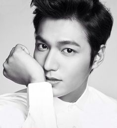 I'm gonna miss him when he's serving his mandatory military service for South Korea for the next 2 years. Lee min Ho