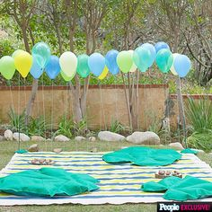 Made these adorable felt lily pad floor cushions, hand painted playmat, and balloon wall for the gorgeous Sherri Saum and her husband Kamar Reyes' twin boys frog themed first birthday party!! Checkout the #exclusive details from @peoplemag // @goodcarmastudio @ggbenitezprinc @dustylu #larsmakes #larsballoons #iamcreative