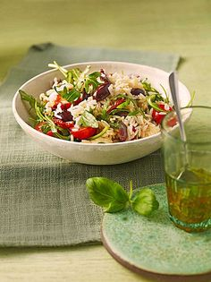 Italienischer Reissalat Italian rice salad, a very nice recipe from the category Fast and easy. Rice Salad, Pasta Salad, Cobb Salad, Sauces, Italian Rice, Austrian Recipes, Austrian Food, Homemaking, Love Food