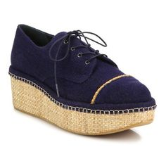 Stuart Weitzman Mantra Linen & Raffia Platform Creepers ($455) ❤ liked on Polyvore featuring shoes, flats, marlin, wedge flats, creeper shoes, platform wedge shoes, flat shoes and stuart weitzman flats
