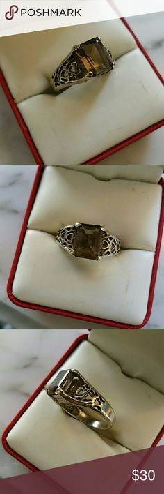 ❤SALE❤ Smokey topaz sterling silver ring. Size 8 Cute, filigree type .925 setting with approx. a 1 ctw. Emerald cut smokey topaz stone. Very good condition. Size 8 sterling Silver Jewelry Rings