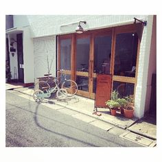 Bike rentals in Yanaka. #yanaka #yanesen #bikestagram #cycling #tokyo
