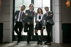 Look colegial: inspire-se no visual usado pela banda Os Lagostins em clipe