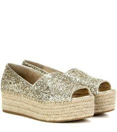 Designer Clothes, Shoes & Bags for Women Gold Glitter Shoes, Glitter Sandals, Gold Sandals, Shoes Sandals, Best Casual Shoes, Trendy Shoes, Cute Shoes, Me Too Shoes, Baskets En Cuir