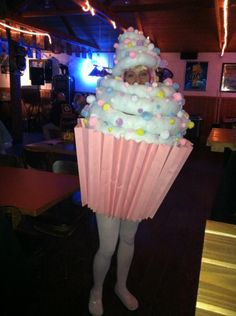 Homemade Cupcake Costume. I MUST DO THIS FOR HALLOWEEN