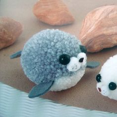 Cute Pompon Seal and Penguin Cute Kawaii Animal Mascots Toy .- Cute Pompon Seal and Penguin Cute Kawaii Animal Mascots Toy Tutorial pdf E PATTERN Instructions in Japanese with Template Titles in English - Cute Crafts, Diy And Crafts, Arts And Crafts, Pom Pom Crafts, Yarn Crafts, Etsy Crafts, Diy For Kids, Crafts For Kids, Pom Pom Animals