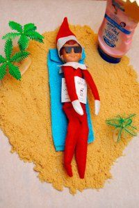 Have an Elf on the Shelf and need some Elf-ish inspiration for their nightly adventures? Here are 21 Mischievous Elf On The Shelf Ideas To Delight The Kids. Elf Auf Dem Regal, Awesome Elf On The Shelf Ideas, Retro Christmas Decorations, House Decorations, Elf On The Self, Naughty Elf, Christmas Elf, Beach Christmas, Christmas Ideas