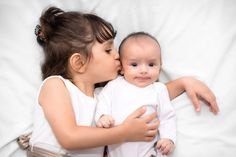Avoir un petit frère ou une petite sœur, c'est bon pour la santé Check more at http://science.webissimo.biz/avoir-un-petit-frere-ou-une-petite-soeur-cest-bon-pour-la-sante/