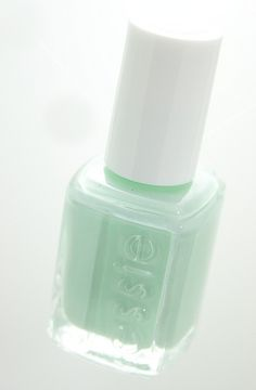 Very pale sea foam--the mint side of white. Great for the cupcake skirt.