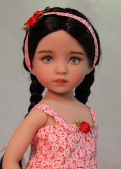Click here to see more pictures of this doll