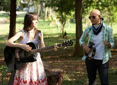 Dia 20 de julho, às 22h, a banda Comma se apresenta no Studio SP. Mini Lamers e Didi Cunha formam a dupla paulista Comma. Trazem em sua música uma doce sonoridade pop‐rock marcada sutilmente pelo folk.