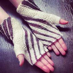 Free Knitting Pattern: Winding Mitts - make with variegated yarn!