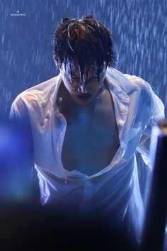 Find images and videos about exo, kai and jongin on We Heart It - the app to get lost in what you love. Exo Kai, Chanyeol Baekhyun, Exo Korea, Bts Concept Photo, Kim Jongin, Dancing King, Couple Photoshoot Poses, Xiu Min, Kpop