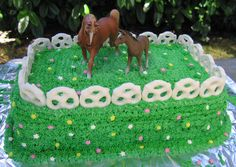 Easy Horse Cakes | An easy horse pasture birthday cake to make... green frosting, white ...