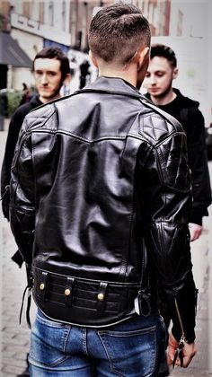 Very nice jacket!