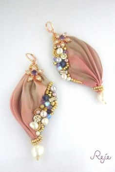 Shibori silk earrings https://www.facebook.com/rejegioielliinsoutache www.rejesoutache.com