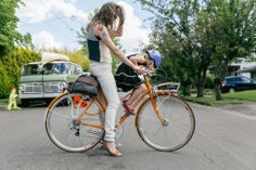 Nahanni and Olive's Signal Cycles Step Through with a TykeToter Seat | The Radavist