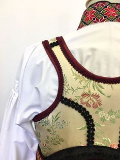 (2) FINN – Skjorte til beltestakk Folk Clothing, Norway, Scandinavian, Fantasy, Costumes, Embroidery, Inspiration, Clothes, Design