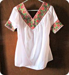 Bata bordada mexicana