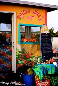 Must-Do in Hawaii: try all the juice huts!  #AdventureAwaits @rothcheese