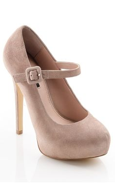 Nude Mary Jane pumps // classy