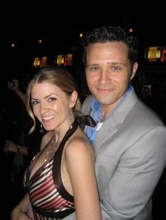 Juliana Dever  Mar 2016 Taken 7 years ago today at the premiere party for the very first episode of Awww. Castle Abc, Castle Tv Shows, Best Tv Shows, Favorite Tv Shows, Beckett Quotes, Seamus Dever, Michaela Conlin, Aubrey Plaza, Tv Couples