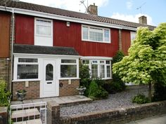 £244,950  4 Bedroom Terraced House - Sherwood Walk, Crawley, West Sussex, RH10 6NQ Estate Agents