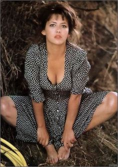 Sophie Marceau - l'album du fan-club : Album photo - aufemininYou can find Sophie marceau and more on our website. Beautiful Celebrities, Beautiful Actresses, Most Beautiful Women, Beauty Full Girl, Beauty Women, Actresses With Black Hair, Sophie Marceau Photos, Sophie Marceau James Bond, Bond Girls