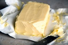 Butter is better - and grass-fed butter is best. Learn more here! #butterisbetter #vitaminK2 #grassfed Holistic Nutrition, Health And Nutrition, Fast Weight Loss, Lose Weight, Bulletproof Diet, Bulletproof Coffee, Grass Fed Butter, Good Fats, Healthy Fats